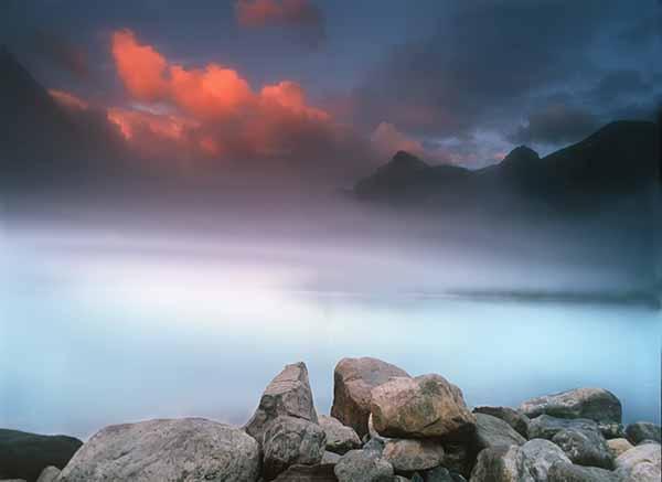 lake_louise_fog